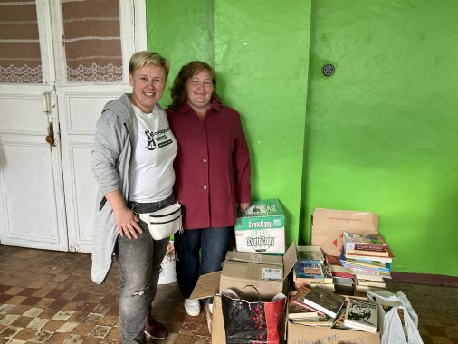 Село Покотилове отримало півтисячі книг, зібраних благодійниками